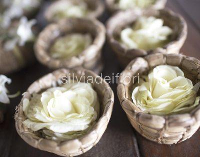 contenitori per riso e petali matrimonio