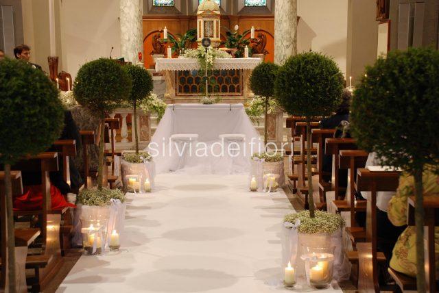 Matrimonio In Total White : I fiori per un matrimonio religioso silviadeifiori
