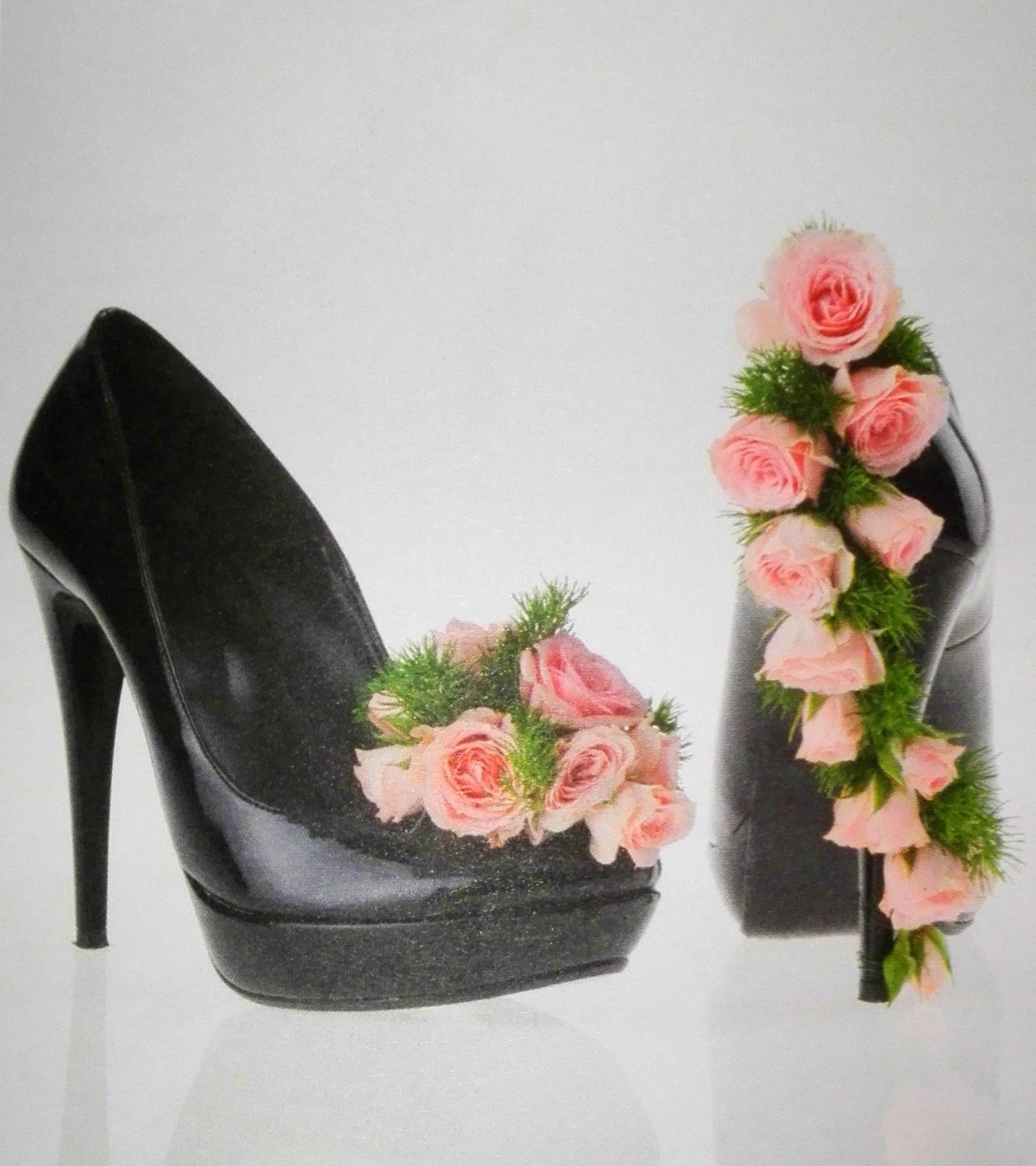 scarpe con fiori