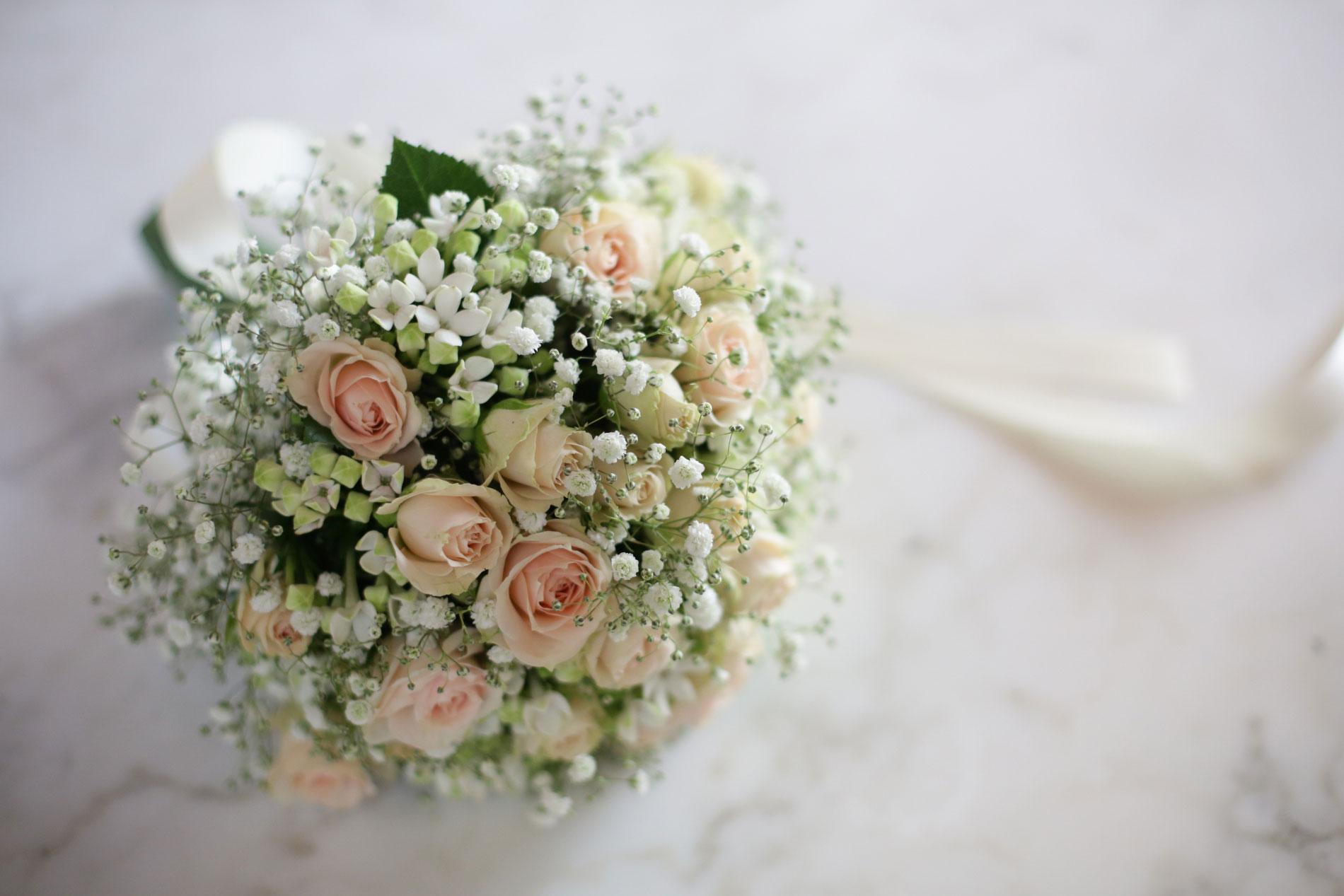 Bouquet Sposa Fiori Piccoli.I Bouquet Delle Celebrita Come Potrebbe Essere Il Vostro Bouquet
